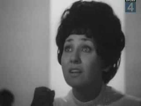 """""""Madalena"""" (Ari Macedo, Ayrton Amorim,1950) vs. """"Лесной олень"""" (Е. Крылатов, Ю. Энтин, 1971)"""