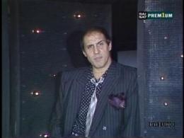 Adriano Celentano - Suzana. Иракли - Вова Чума.