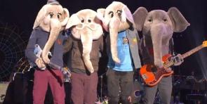 Виа Гра - Три Реки (2003) / Coldplay - Charlie Brown (2011)