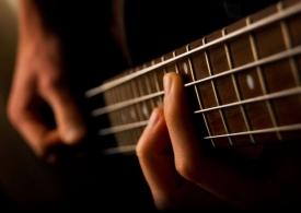 Какие песни чаще всего исполняют под гитару