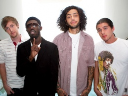 Gym Class Heroes - Take a look at my girlfriend / Supertramp - Breakfast in America